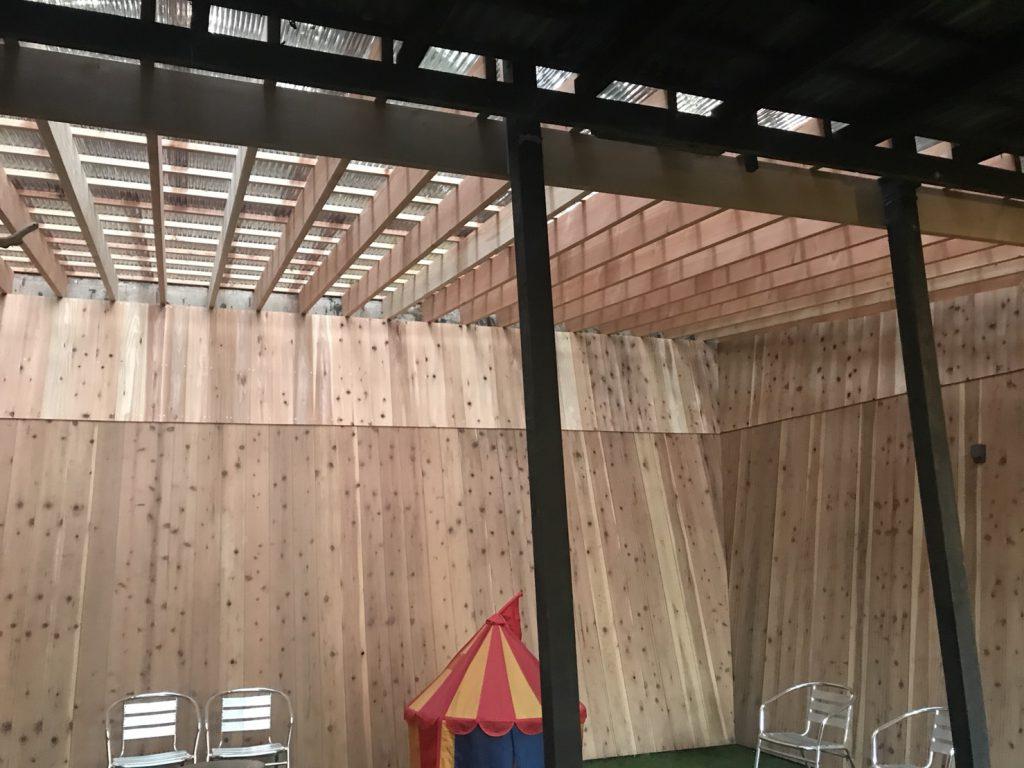 屋根付きドッグランがリニューアルしました